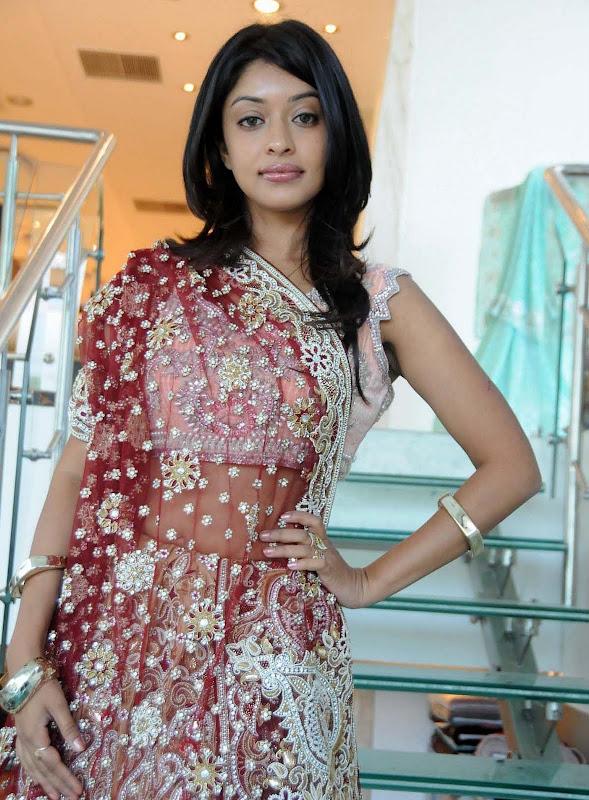 Actress Payal Gosh Hot Stills Photoshoot images