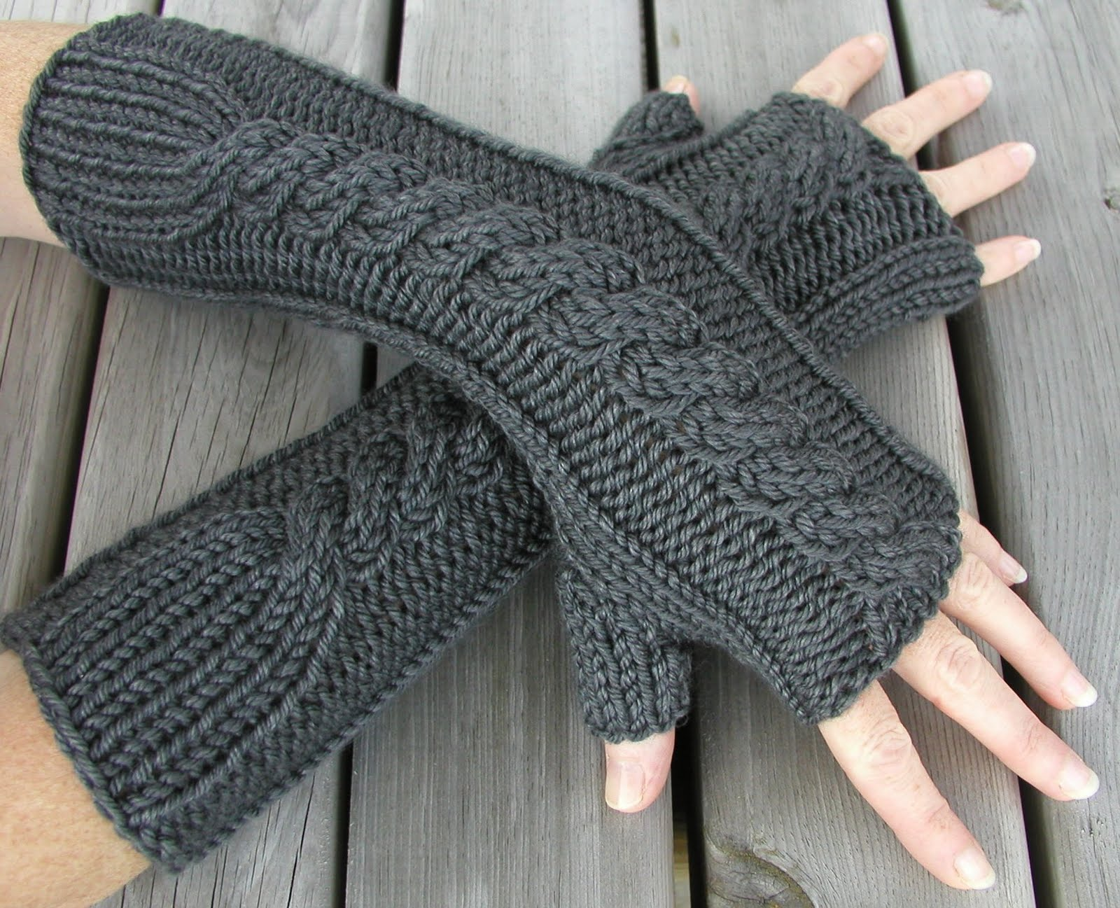 Knit Fingerless Gloves Pattern Free : Hand Knitted Things Patterns