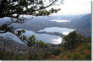 Panorama dei laghi briantei dal Monte Barro