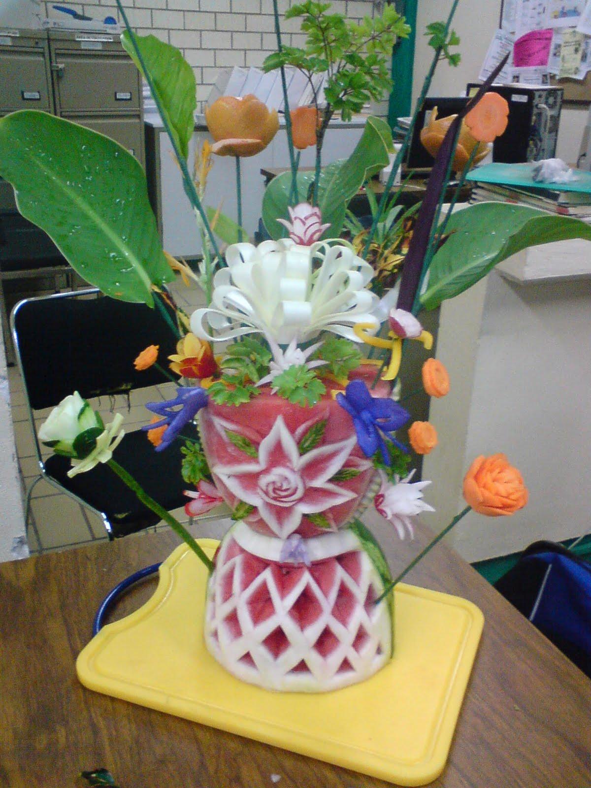 Cocinandoal10 decoraciones de frutas y verduras for Secar frutas para decoracion
