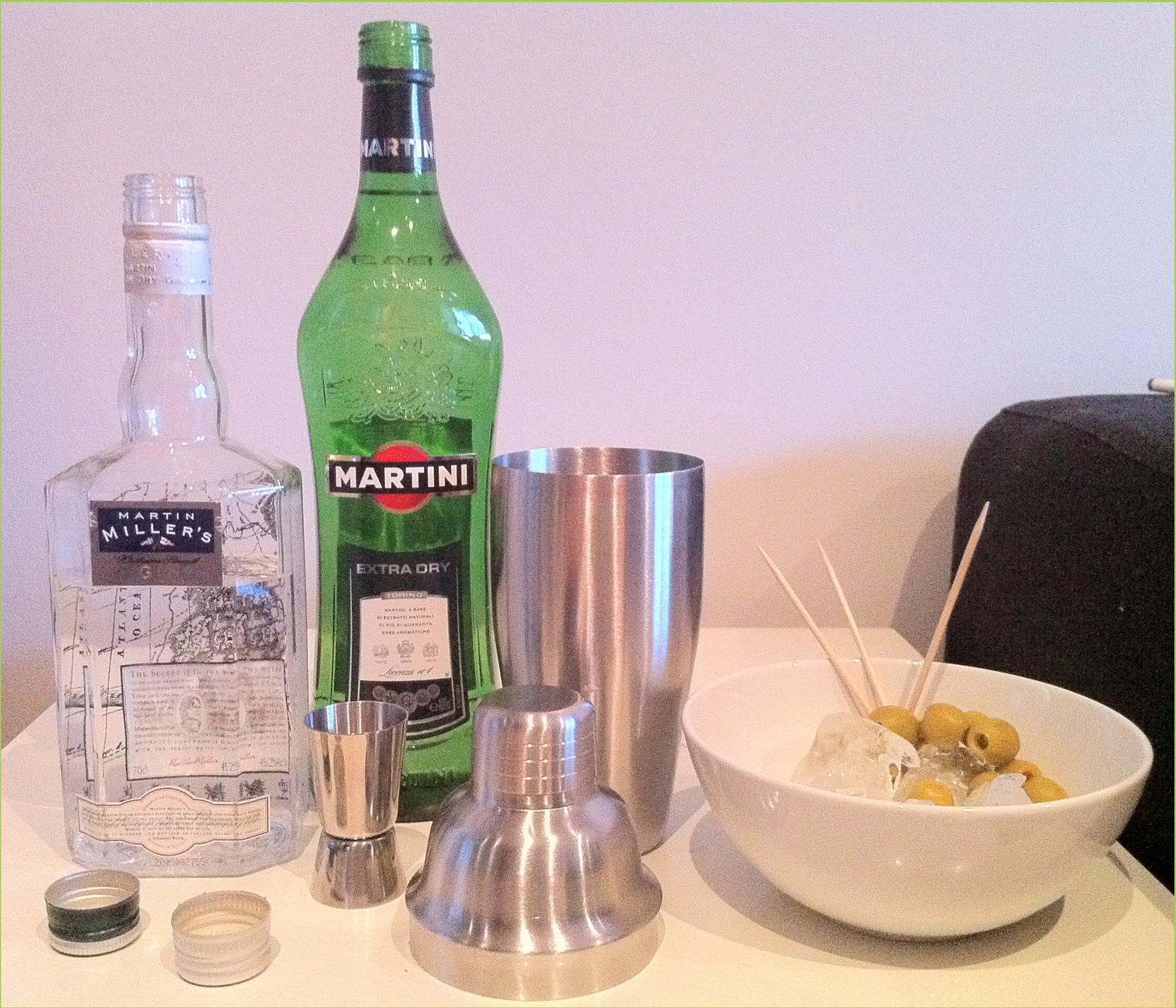 Desnudo en un vaso de martini