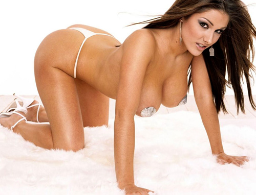 [Imagen: Lucy-Pinder-Naked.jpg]