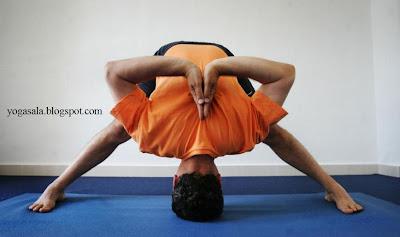 Una Temporada Mas Los Viernes Celebramos Sesion De Yoga Avanzado Donde Se Desarrollan Asanas Un Modo Seguido