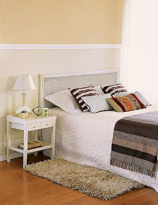 Cabeceras y mesillas para camas de matrimonio decorando for Cabeceros de rejilla
