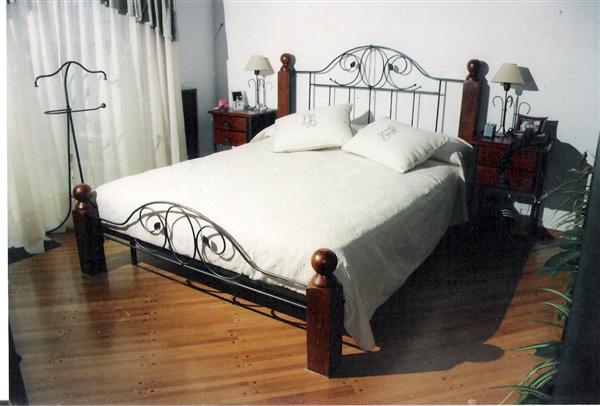 Pon linda tu casa camas de hierro forjado for Cama hierro