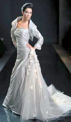 Vestidos de novia en color plata