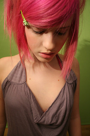 Emo Hairstyles - The Complete Guide to Emo Hair For Guys and Girls ...