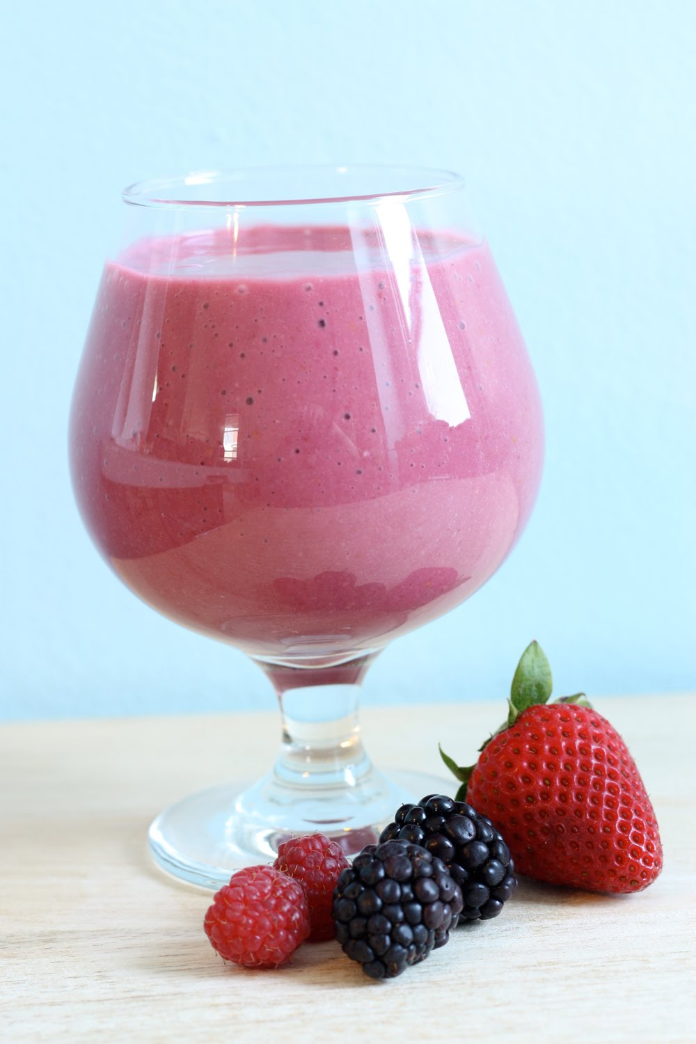 That Winsome Girl: Triple Berry Smoothie