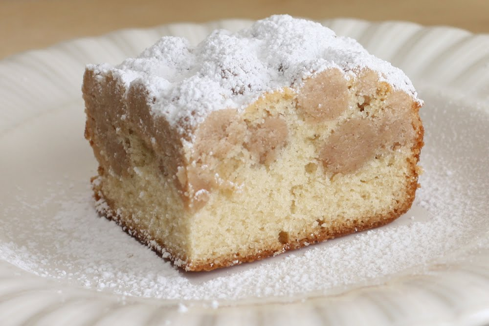 That Winsome Girl: New York-Style Crumb Cake