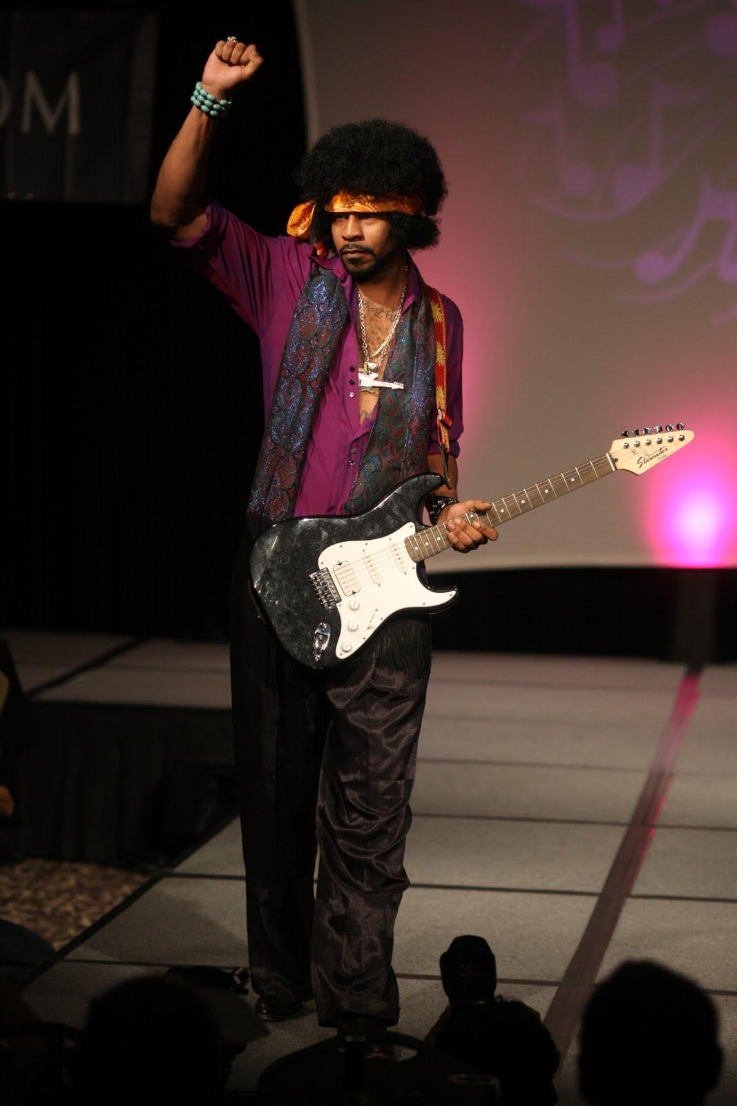 http://4.bp.blogspot.com/_8sEE3QQ02E8/TNR2VetIDlI/AAAAAAAABS8/kUVj1dpVEy4/s1600/Jimi_Hendrix.JPG