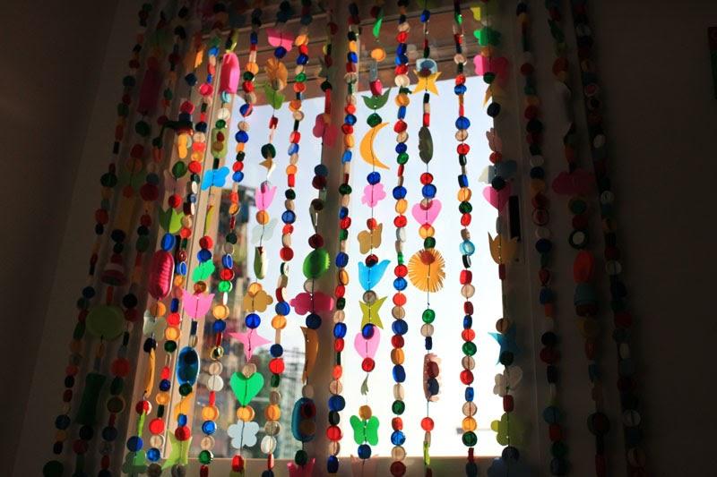 Clubazul la cortina feliz for Cortinas de cocina hechas
