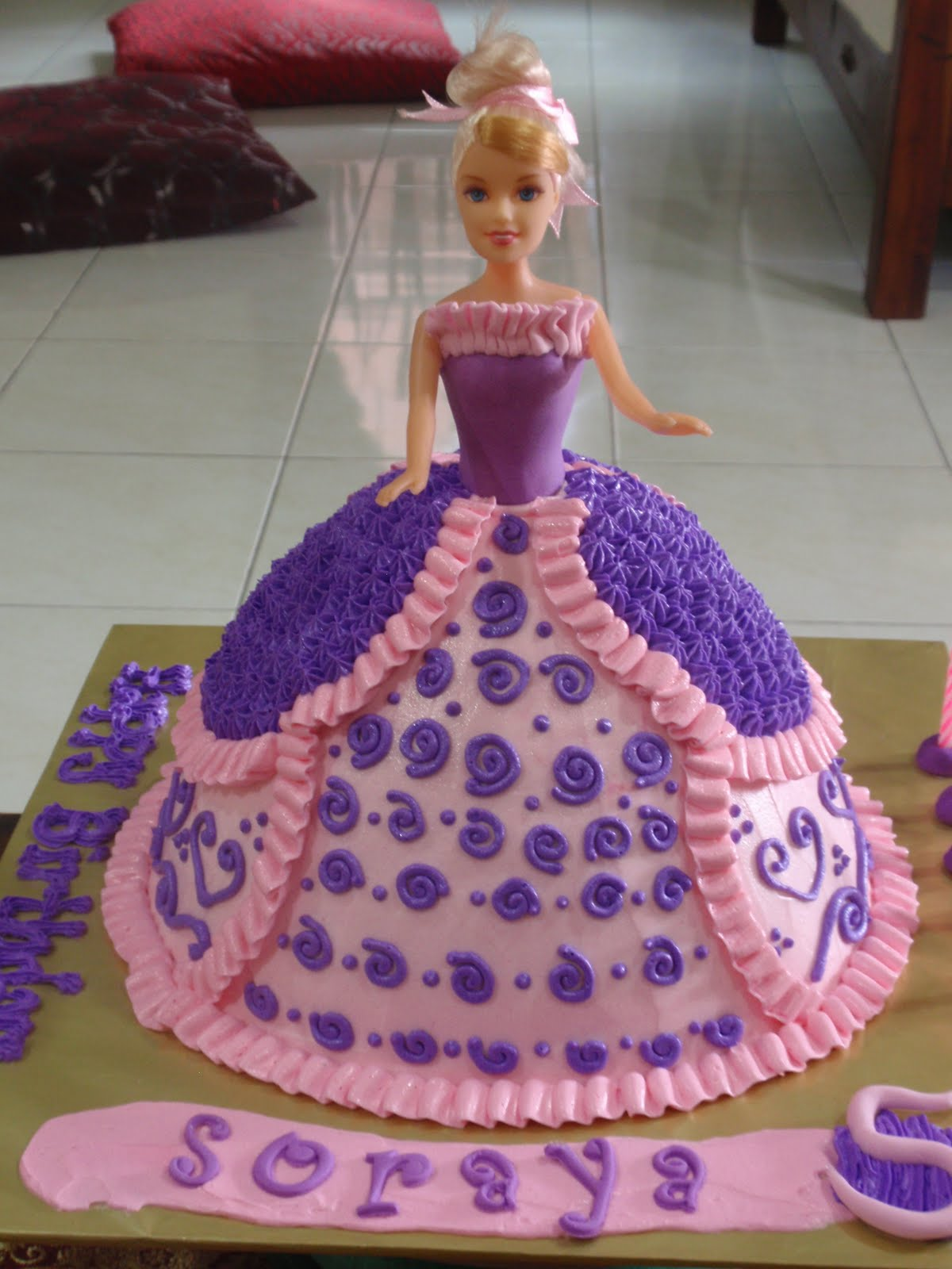 Birthday Cake Images Doll : JUZCAKES: Purple-Pink Doll Cake For Soraya