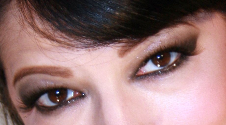 Makeup for green eyes with hanging lids 3 ideas
