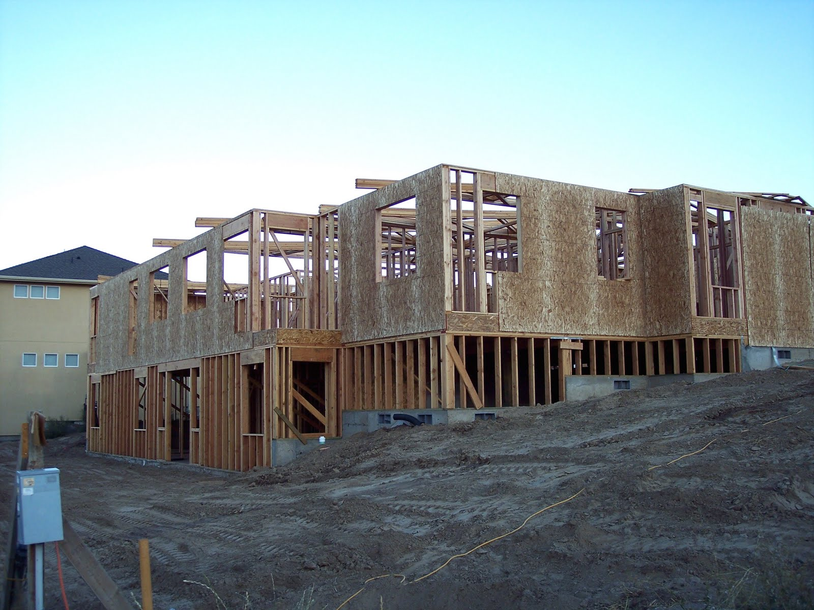 Building a home framing the main floor continued for House framing 101