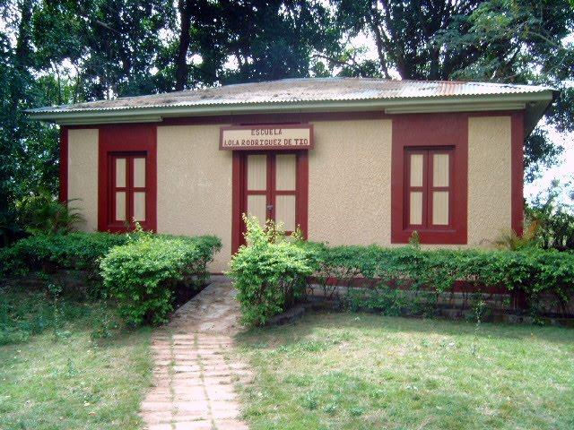 Vista La  Escuela  La Virgen Del Pozo En SabanaGrande