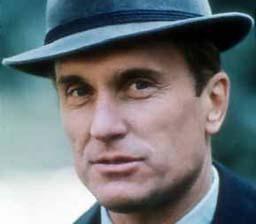 Robert Duvall - Consigliere Tom Hagen