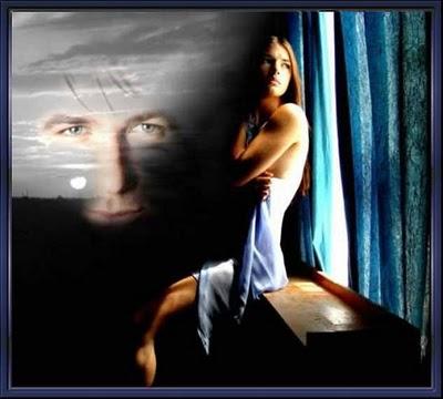 OJOS VERDES COMO EL MAR Mujer_ventana_(2)