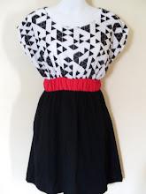 A 1185 - Pattern dress, fits size S,M,L