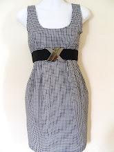A 1189 - Checked dress w/belt, fits size S,M