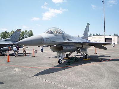 f-16 aircraft image
