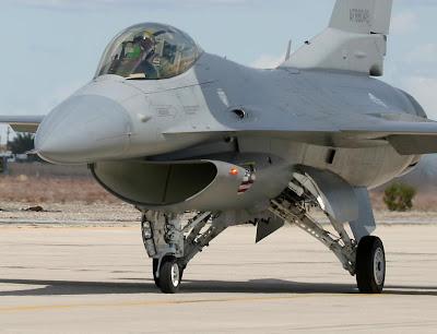 f-16 Apache