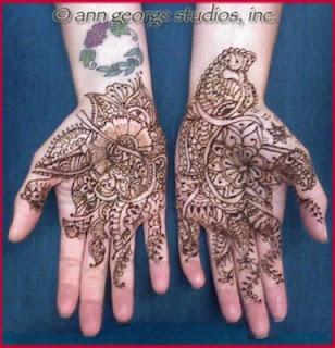 bridal henna tattoo, fine line henna in process