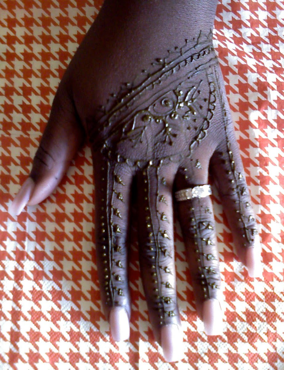 All henna tattoo is by Ann George of Spirit Vision Henna - photos are ...