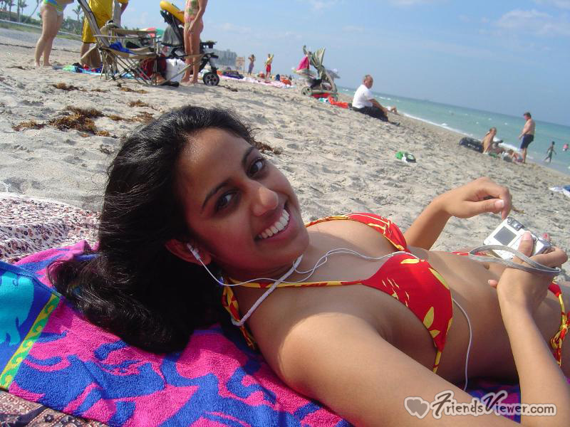 Girl indian goa nude beach pictures