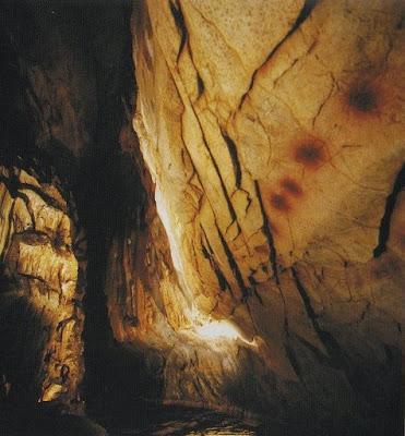 Caves del Monte Castillo