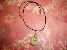 Wirewrapped beach stone pendant