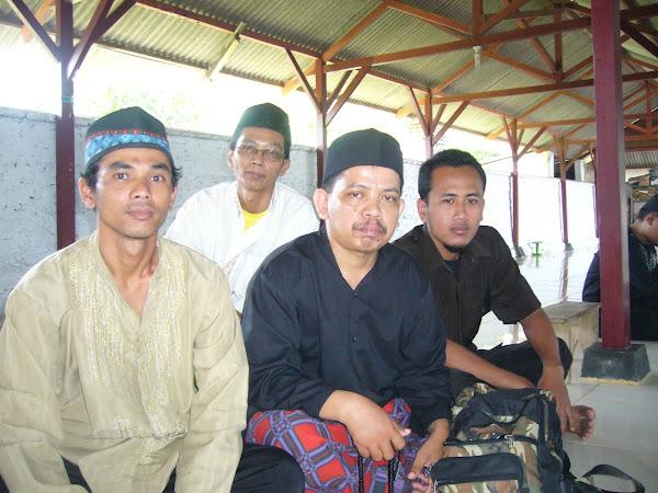 Hormat Leluhur ; Gus Yudi bersama Jamaah Dzikir  Thoriqohtul  Jannah  Al Wahyudiyah