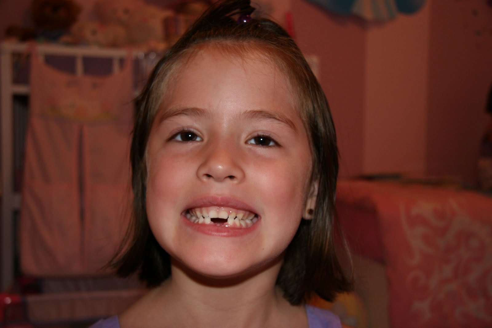 the galindo family hannah lost her second tooth on saturday 26th she s still waiting for the tooth fairy to come by i explained to her that the tooth fairy doesn t