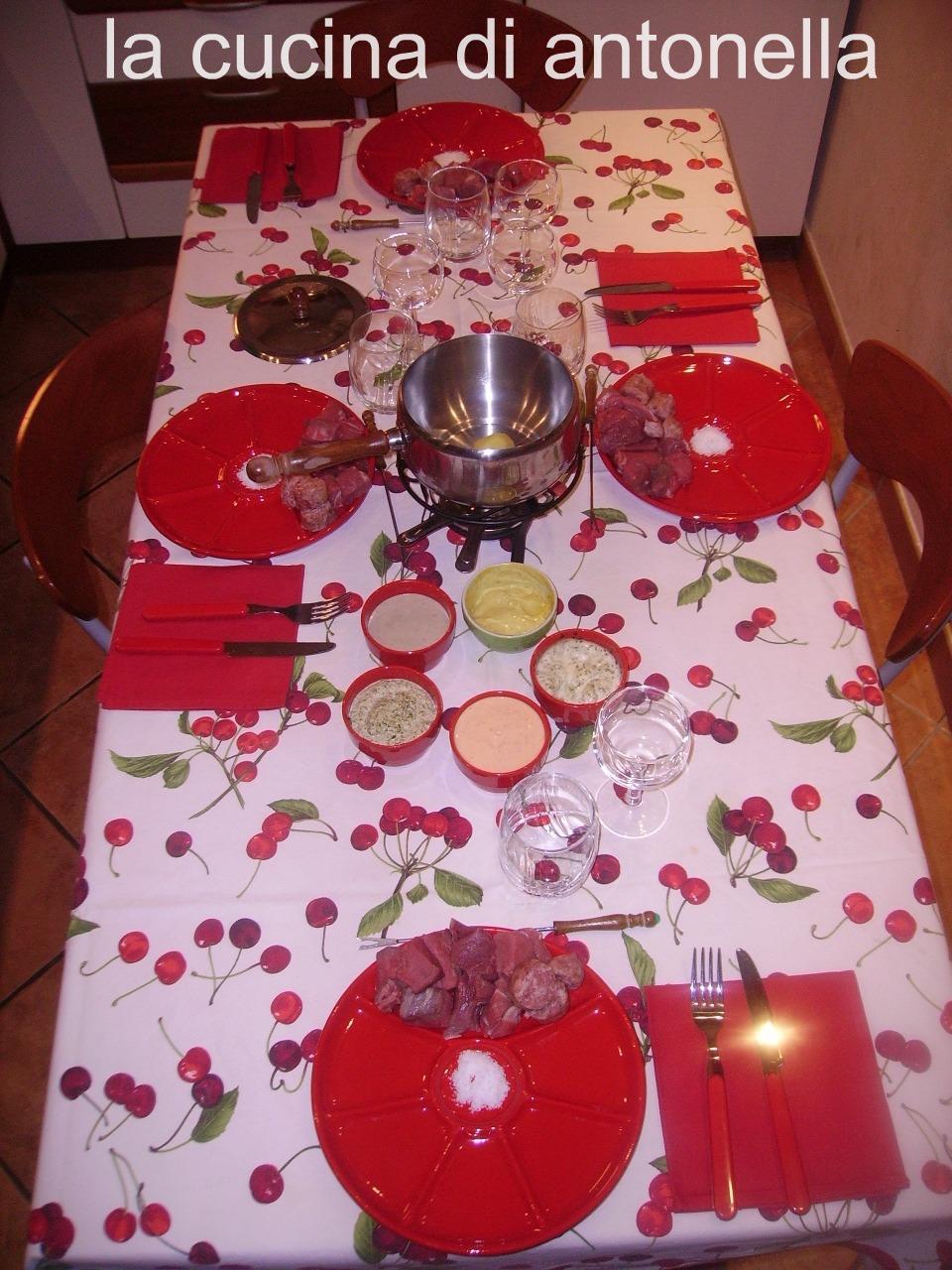 La cucina di antonella fondue bourguignonne con le salse - La cucina di antonella ...