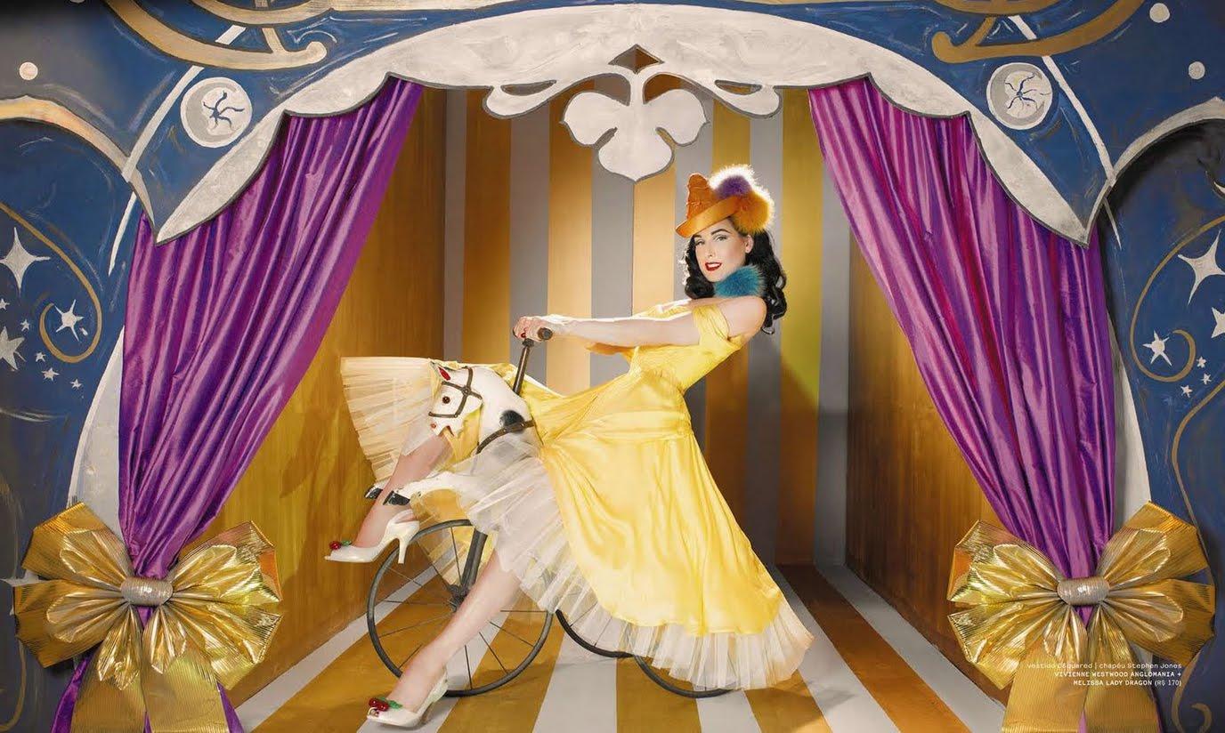http://4.bp.blogspot.com/_99TmI8-qpfs/S_2rvqdec9I/AAAAAAAAXzY/XrmBxb12z0k/s1600/Plastic_Dita_yellow_dress.jpg