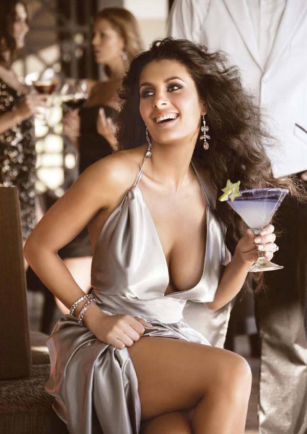 Mayrin Villanueva H Magazine Meico