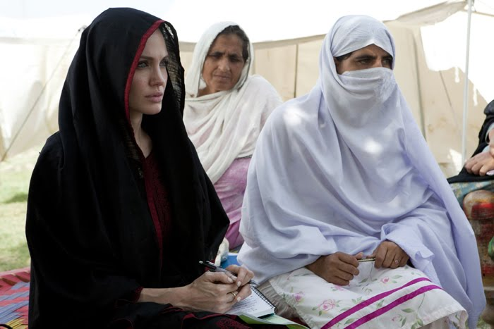 Angelina Jolie Pakistan Flood Visit Pics