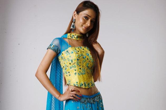 Sara Khan/სარა კანი Bb_sarah-khan