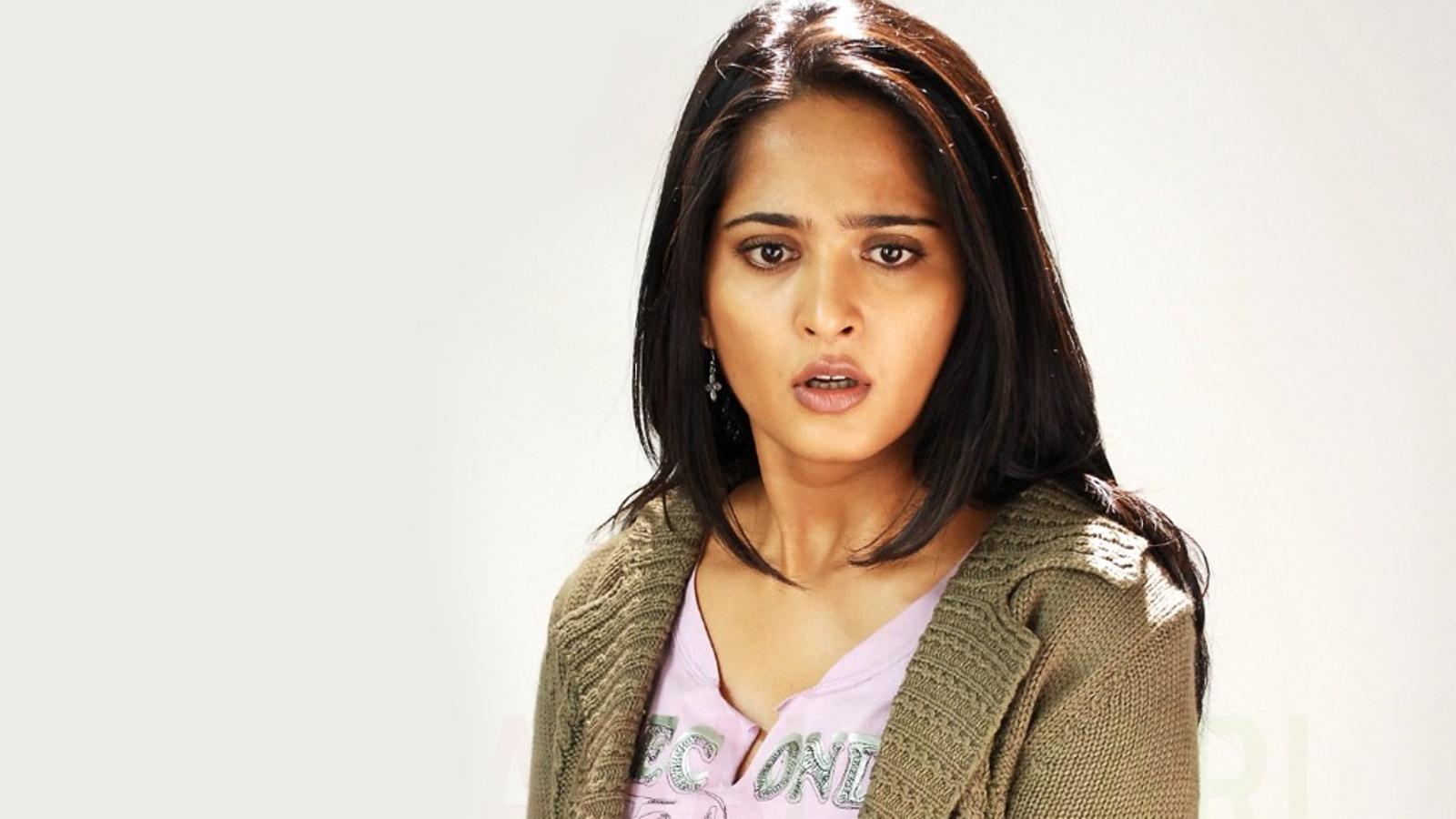 Mahi aunty 02 full length telugu movie ravi krishna silpa nisha - 4 1