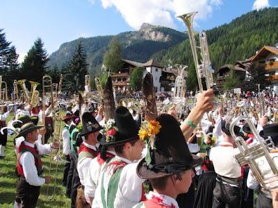 Fiesta ladina, Canazei