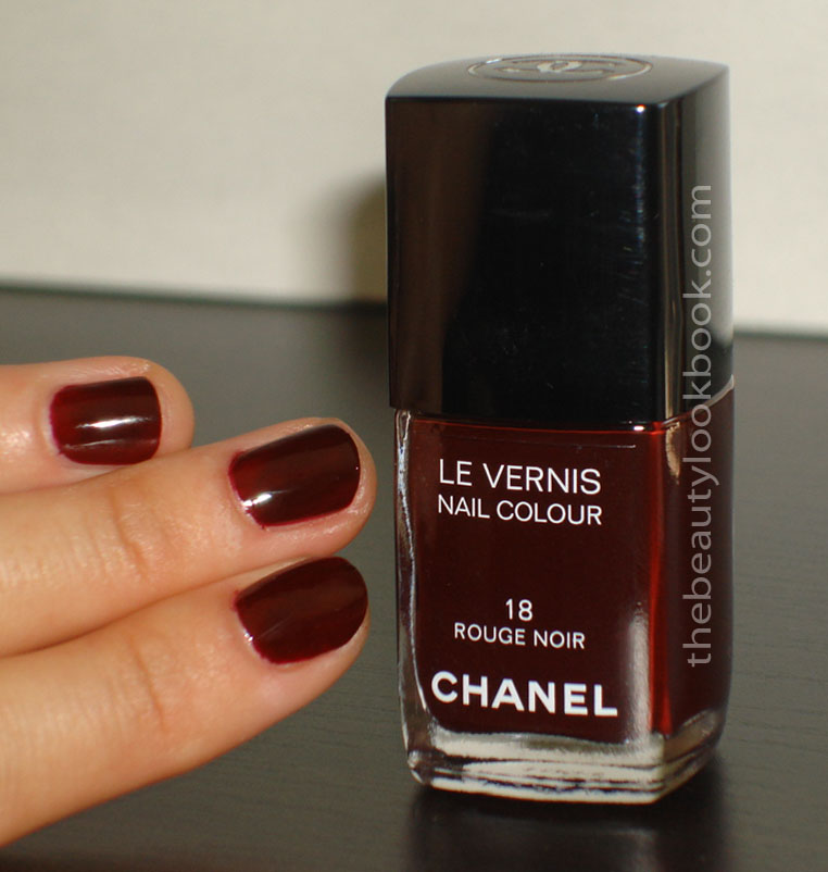 nails of the day chanel rouge noir 18 the beauty look book. Black Bedroom Furniture Sets. Home Design Ideas