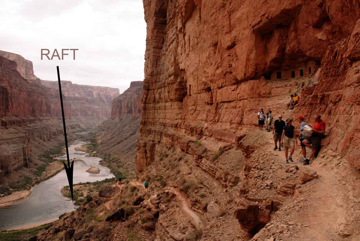 Grand Canyon hiking trail to Indian Ruins