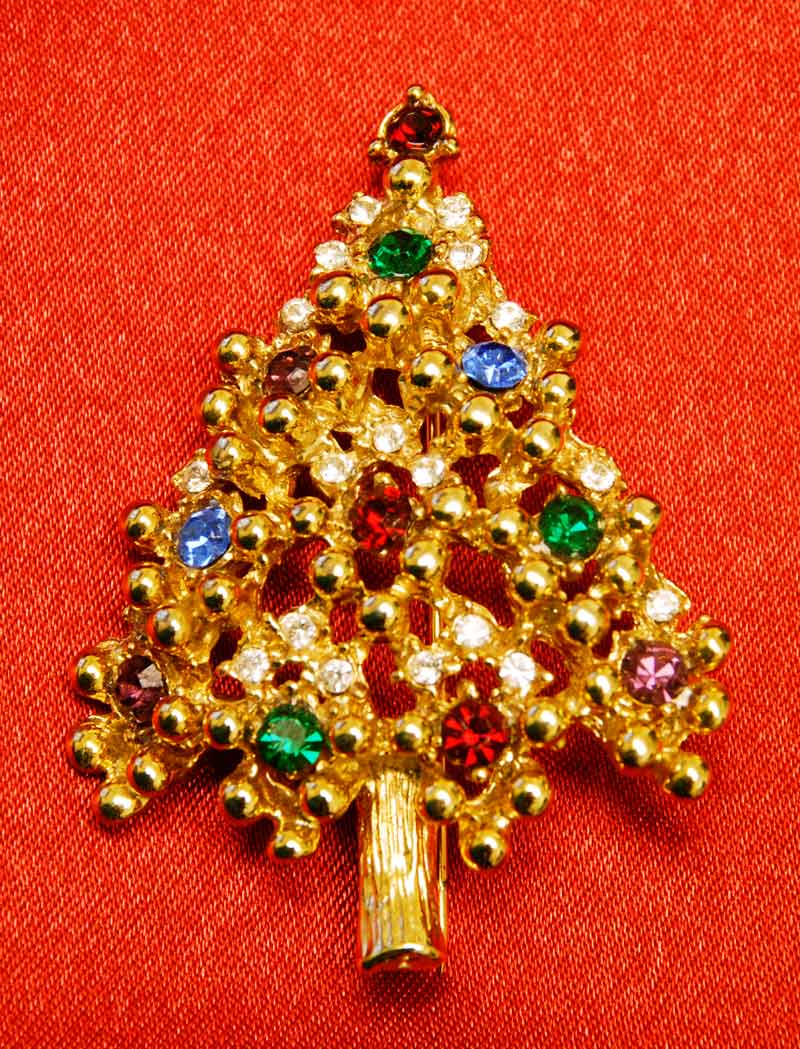vintage costume jewelry Christmas tree pin