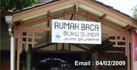 Langkung ti 5000 buku Sunda sadia di Rumah Baca Buku Sunda.