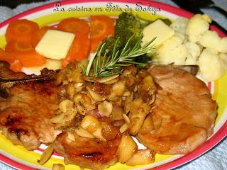 La cuisine en f te de sakya c telettes de porc aux pommes amandes et l rable - Cotelette de porc coupe hotel ...