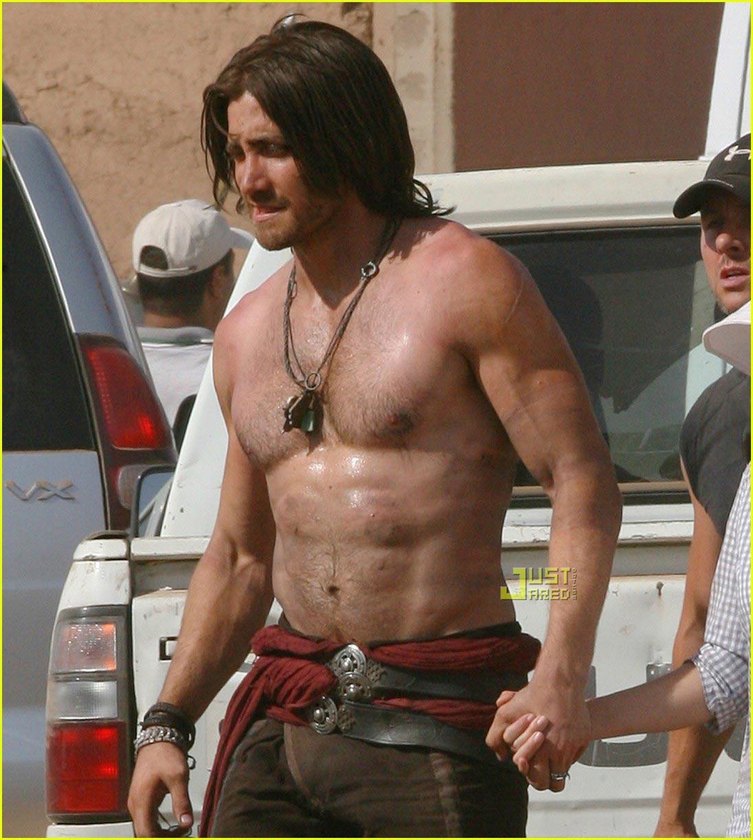 http://4.bp.blogspot.com/_9D3stWe--bQ/S-w049qatOI/AAAAAAAABMY/K6ykzf-HZO4/s1600/jake-gyllenhaal-shirtless-prince-of-persia-04.jpg