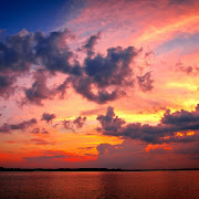 Beautiful sunset download free wallpapers for Apple iPad (nature free wallpapers sunset)
