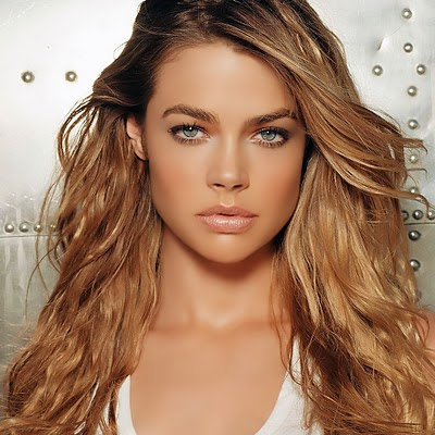 Denise Richards download free wallpapers for Apple iPad