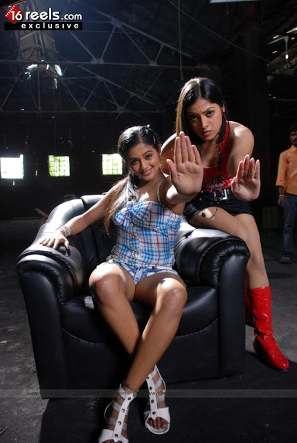 priyamani again in glamour role mallu world