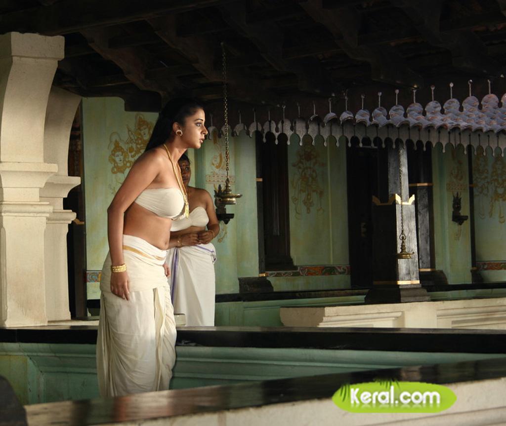 Deepika padukone boobs cleavage latest hd 2017 - 5 6