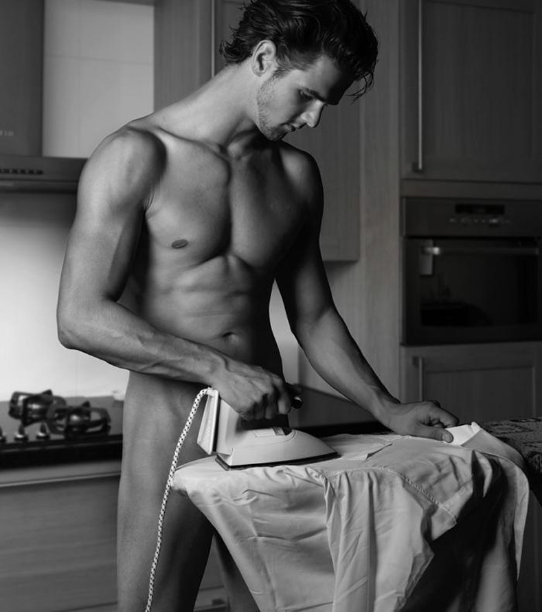 [ironing+in+the+nude.jpg]